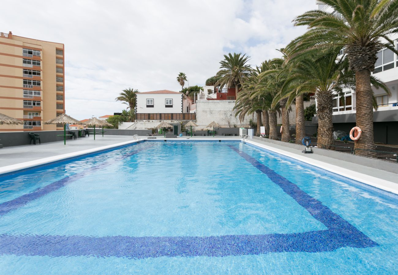 Apartamento en Candelaria - Home2Book Ocean View and Pool Caletillas