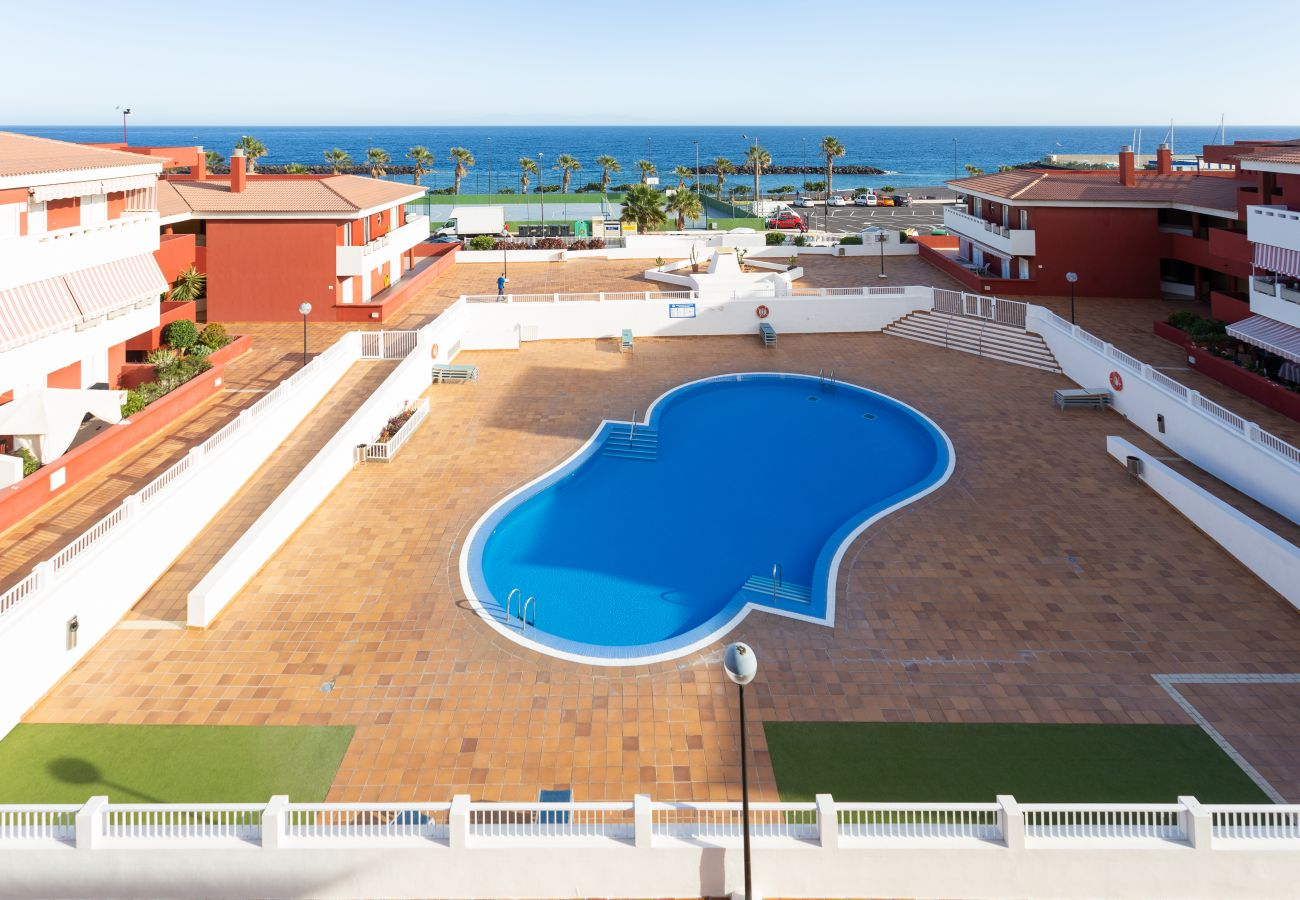 Apartamento en Güimar - Home2Book Sea Front Duplex Terrace Pool +Wifi