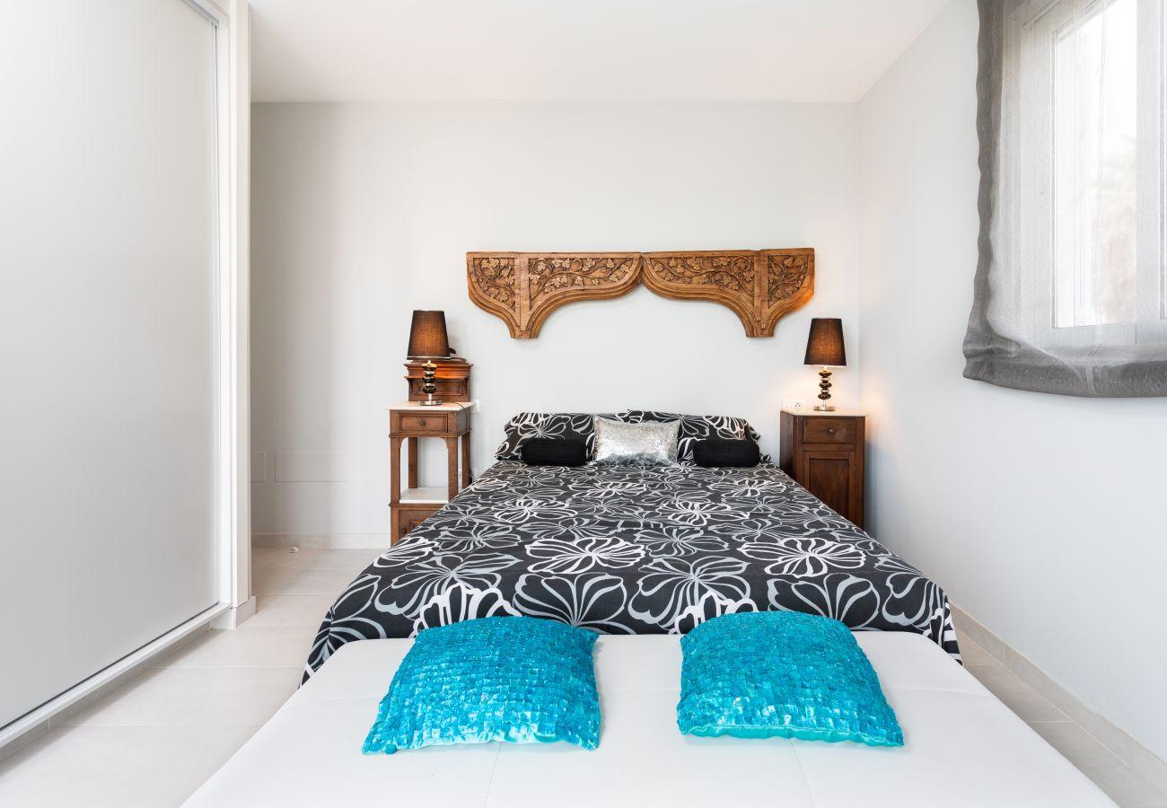 Casa en Arico - Home2Book Stunning Sea Front House El Poris