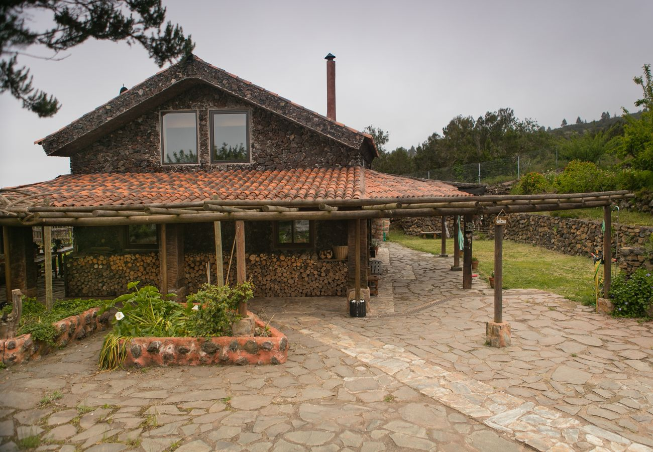 Casa rural en El Tanque - Home2Book Volcano Views ECO-House + Wifi