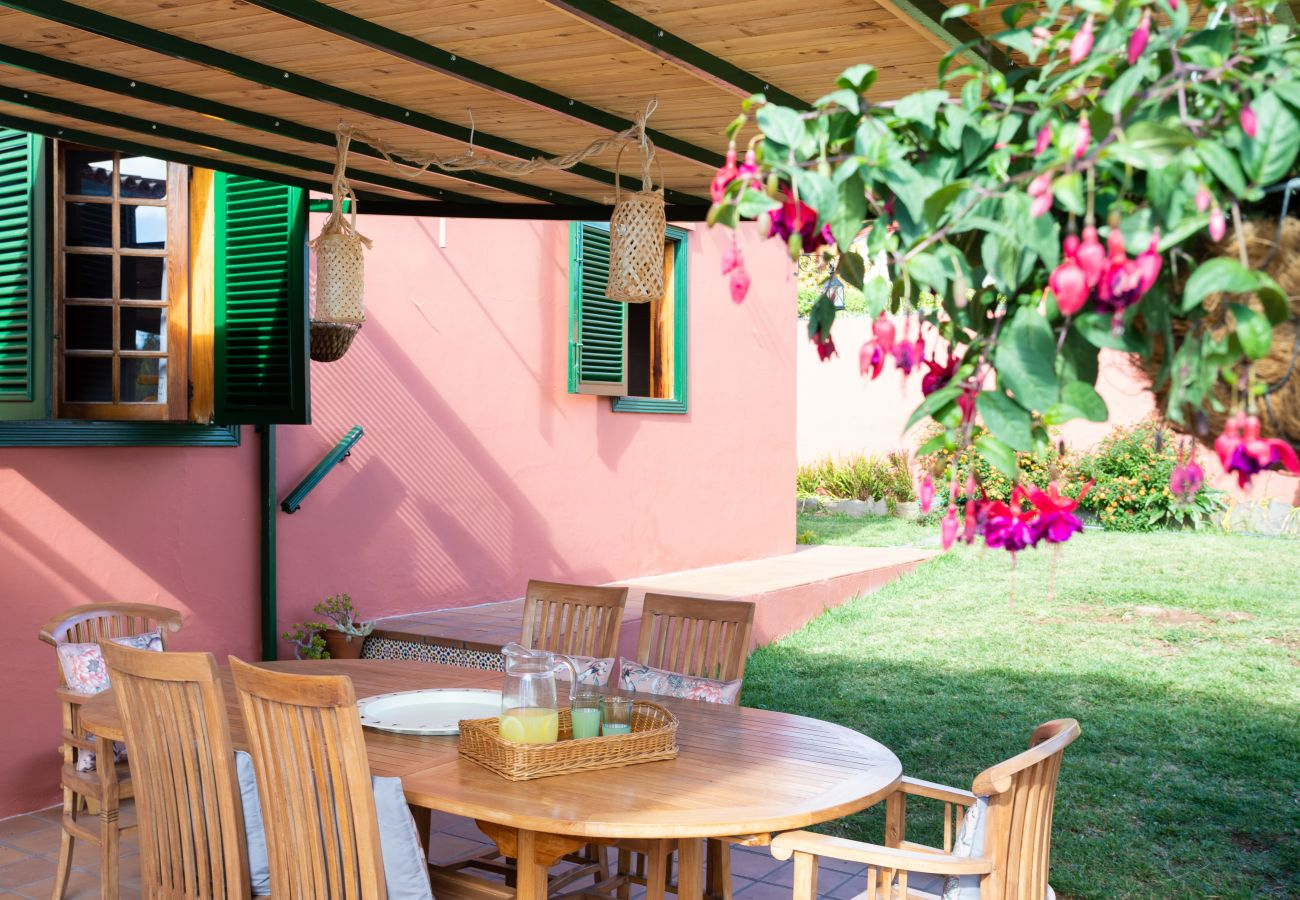 Villa in Tacoronte - Home2Book Luxury Villa Luna de Tacoronte Pool