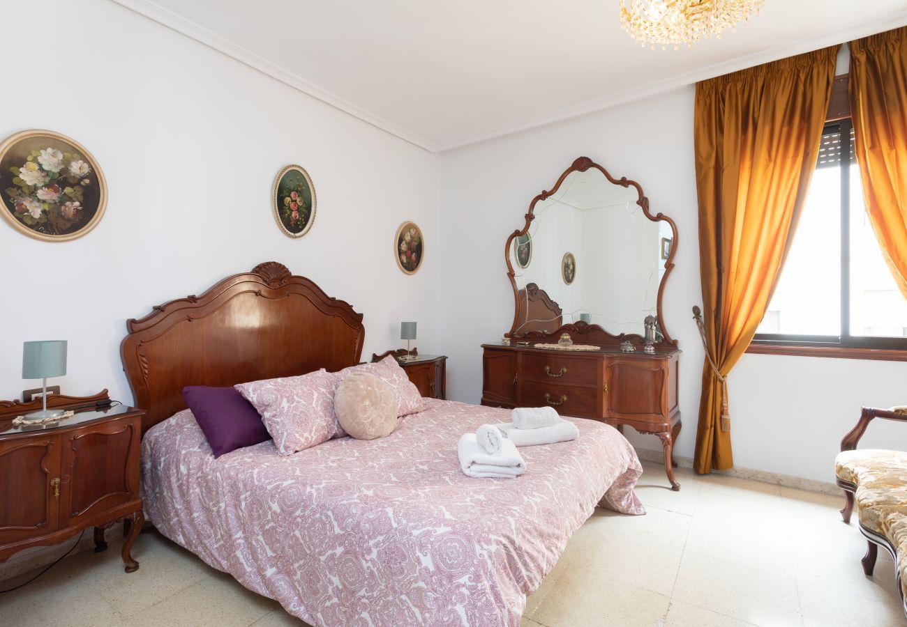Apartment in Santa Cruz de Tenerife - Home2Book Spacious Classic Design Apartment Center