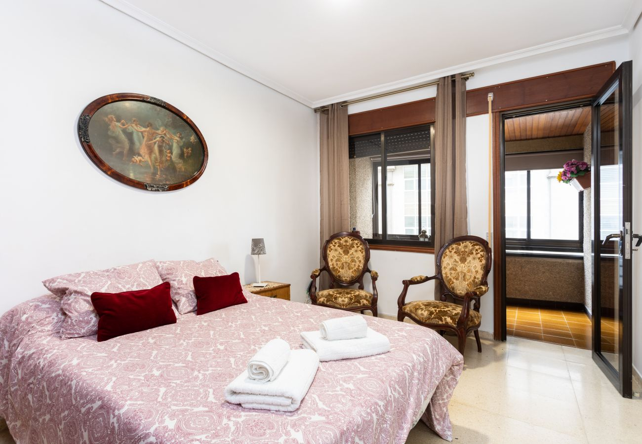 Apartment in Santa Cruz de Tenerife - Home2Book Spacious Classic Design Apartment Center